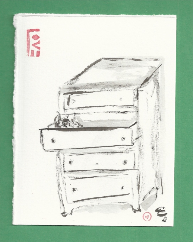 chest of drawers mouse nest